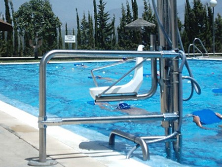 grua de acceso a piscina